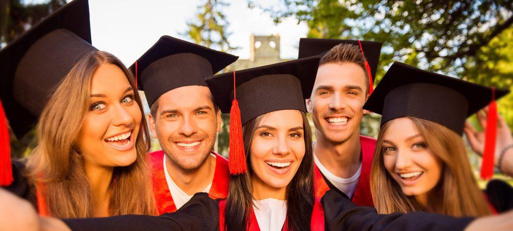 Image d'accueil diplomissimo - une nouvelle tenue pour chaque réussite - remise de diplômes