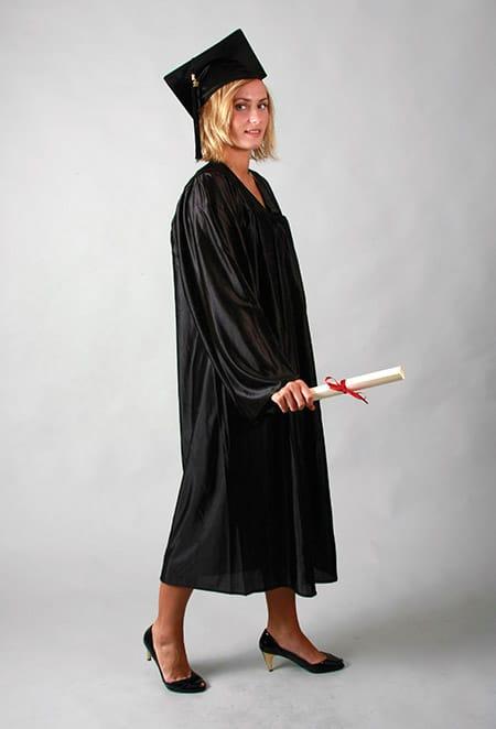 toge satinée pour remise de diplôme