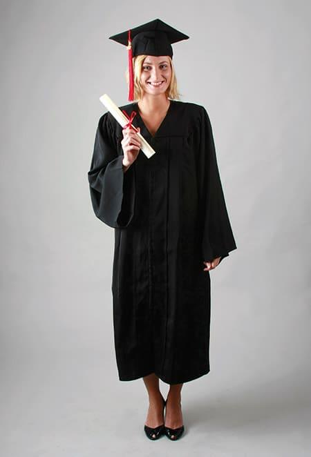 Toge standard, tenue standard pour cérémonie de remise de diplôme