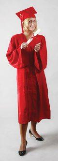 Toge standard rouge pour cérémonie de remise de diplôme