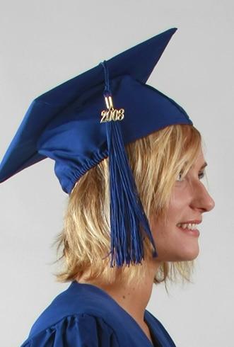 Coiffes et chapeaux pour toges de remises de diplôme, tenues sur-mesure