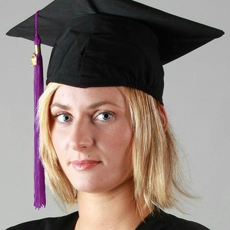 Coiffe mate, chapeau pour tenue de remise de diplôme